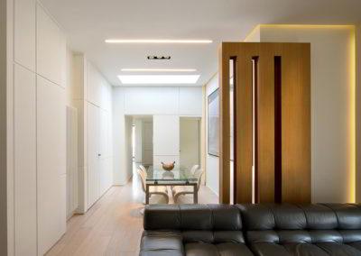 Officine Architetti Napoli_Violetta House_divano con mobile in rovere