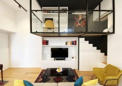 Officine Architetti Napoli_casa Pitloo - parete tv e soppalco