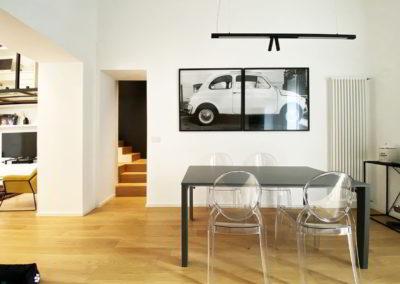 Officine Architetti Napoli_casa Pitloo - sedie ghost e tavolo